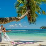 12-Palme-Schaukel-Strand-Hochzeit-Seychellen