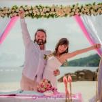 8-Ehepaar-Seychellen-nach-der-Hochzeit