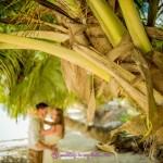 9-Hochzeitspaar-unter-einer-Palme