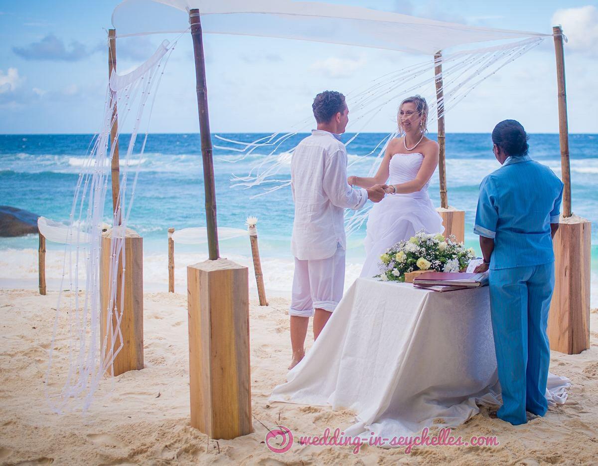 budget-beach-wedding-seychelles.jpg