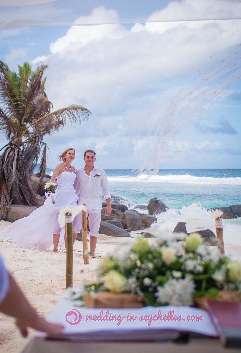 expat-easy-marriage-in-seychelles.jpg